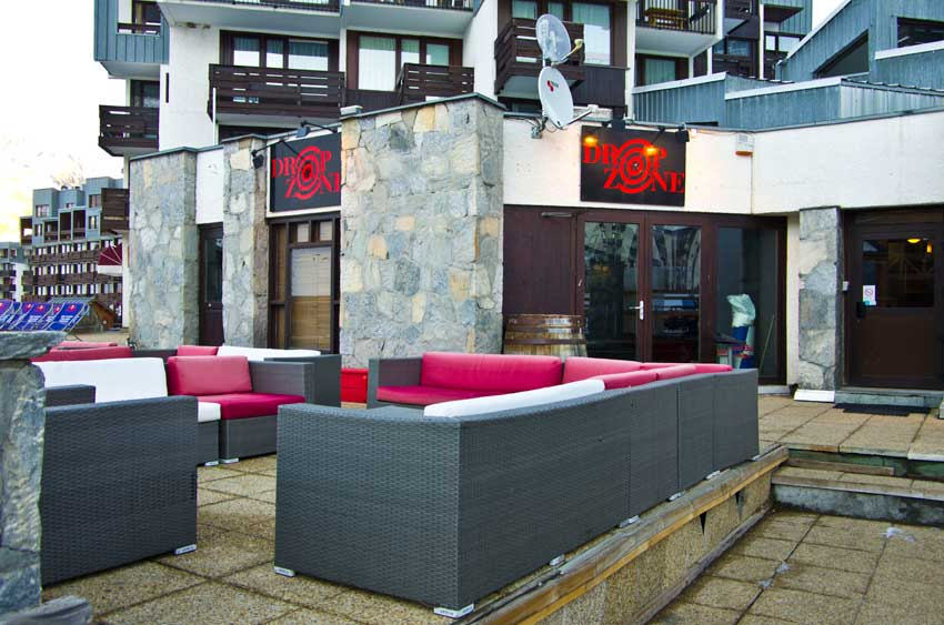 The bar/pub 'Drop Zone' in Tignes Val Claret