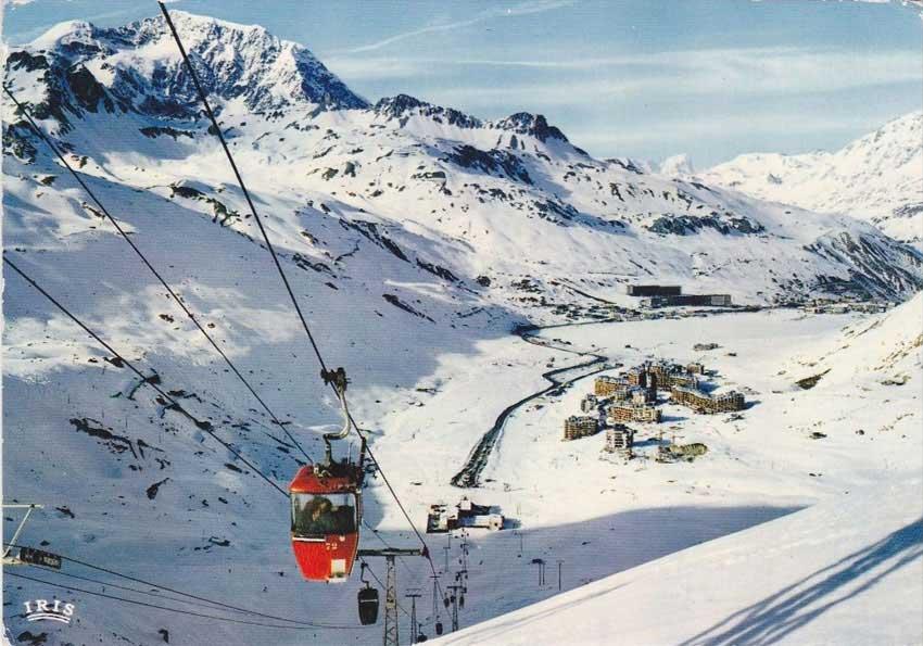 Postcard, «The Grande Motte gondola lift, Le Val Claret». 1970s.